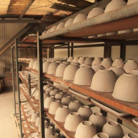 こいが有田焼の歴史ばい。有田の地で生まれた磁器
